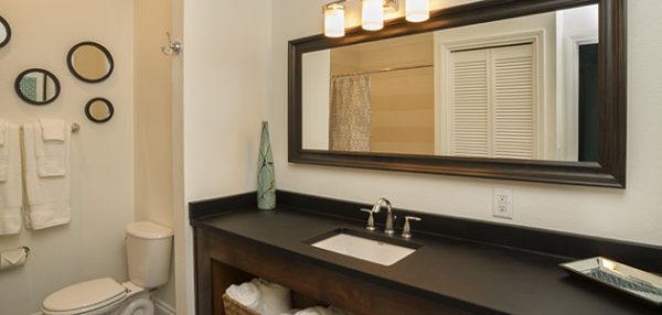 Flat 10 Bathroom • 3rd Street Flats