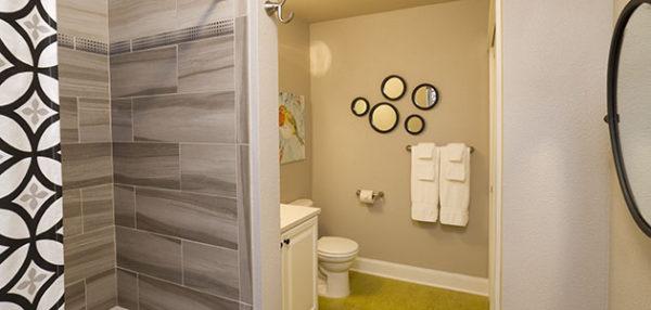 Flat 7 Bathroom • 3rd Street Flats