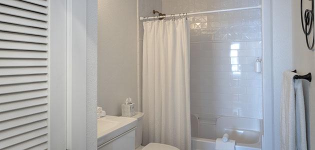 Flat 9 Bathroom • 3rd Street Flats